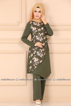 Maxi Dress With Sleeves, The Dress, Dress Skirt, Dress Outfits, Casual Dresses, Fashion Dresses, Gawn Dress, New Hijab, Long African Dresses