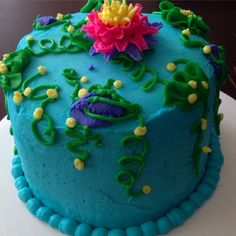 Water Lily Cake (1st attempt) #theartoffrosting #cakestyle #dessert #marissweettreats