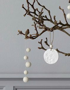 The tree can also wear some jewellery. The string of wooden balls brings a lovely pearly decorativeness to the branches. Tree Decorations, Christmas Decorations, Christmas Ornaments, Christmas Love, All Things Christmas, Hanging Tapestry, Mold Making, Hanging Ornaments, Wind Chimes