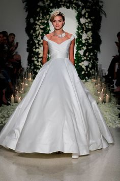 cf85fb6b899 Annge Barge Fall 2016 Bridal. Check out more beautiful photos of our  favorites on Harsanik