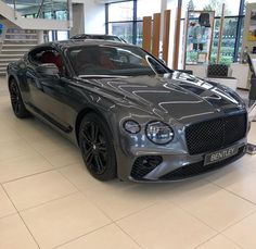 Best classic cars and more! Voiture Rolls Royce, Bentley Gt, Automobile, Bentley Motors, Lux Cars, Bentley Continental Gt, Best Luxury Cars, Expensive Cars, Amazing Cars