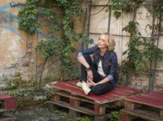 """Anita Lipnicka w wywiadzie opowiada o swoim najnowszym albumie """"Vena Amoris"""" http://www.eksmagazyn.pl/wazny-temat/ekscentryczna-bohaterka/anita-lipnicka-siedze-i-slucham/"""