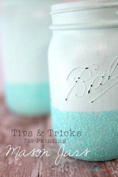 Tips and Tricks for Painting Mason Jars - Shes {kinda} Crafty - DIY @ Craft's Mason Jar Art, Pot Mason, Mason Jar Crafts, Bottle Crafts, Glitter Mason Jars, Bottle Art, Bottles And Jars, Glass Jars, Candle Jars