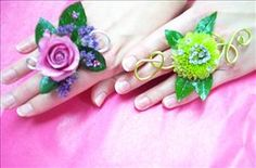Prom flower rings are creative and different. Great twist for any wrist corsage.