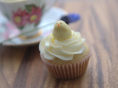 mini cupcake with chick cakeball topper