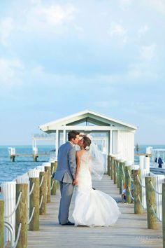 Celebrate your love in the idyllic oceanfront setting of Islamorada in the Florida Keys when you host your wedding at Cheeca Lodge & Spa.