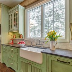 Yellow Cottage Design Ideas, Pictures, Remodel, and Decor - page 30