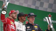 Lewis Hamilton (medio), Sebastian Vettel (izquierda) y Max Verstappen (derecha), fueron los protagonistas del podio en el Gran Premio de China de la Fórmula Uno 2017 (Efe).