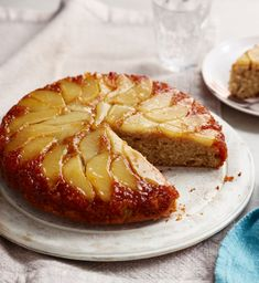 Make this pretty pear and ginger upside-down cake for a gorgeous tea time treat. Pear And Ginger Cake, Pear Cake, Cake Recipes Bbc, Pear Recipes, Pear Dessert Recipes, Pear Upside Down Cake, Pineapple Upside Down Cake, Cake Mixture, Barbecue