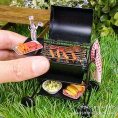 4th July BBQ! #miniature #miniaturefood #polyclay #polymerclay #handmade #hotdog #burger