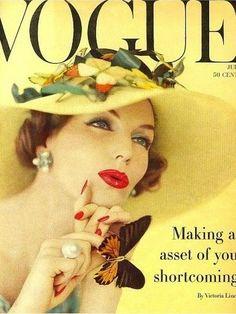 1950s+Vogue+magazine+cover..jpg (495×660)