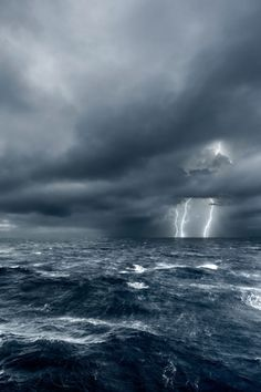 Boating In Bad Weather — What You Need To Know