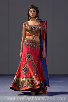 Pure Elegance by Parna Ghose 꾸뛰르 패션위크 뉴욕 봄컬렉션 2013 #패션위크#패션#꾸뛰르#PureElegancebyParnaGhose#스타일#여자#모던디자이너#모델#패션쇼#뉴욕
