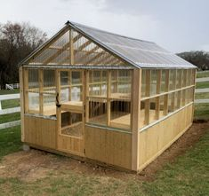 How to build a Greenhouse Yourself in 7 easy steps! DIY in just a few days with this detailed, step-by-step tutorial, that will walk you though the process. plans diy how to build plans free Diy Greenhouse Plans, Walk In Greenhouse, Backyard Greenhouse, Backyard Landscaping, Landscaping Ideas, Best Greenhouse, Greenhouse Growing, Greenhouse Wedding, Wooden Greenhouses