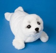 For some reason I just decided that I want a plush baby harp seal and OH MY GOD LOOK AT THIS ONE