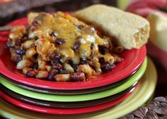 Easy cheesy vegetarian chili mac in the Crock Pot with optional ground beef | Kitchen Treaty