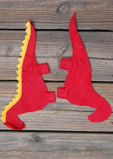 Enchanted Forest Book, Felt Dragon, Sewing Stuffed Animals, Dragon Pattern, Nature Table, Autumn Crafts, Red Felt, Blanket Stitch, Doll Crafts