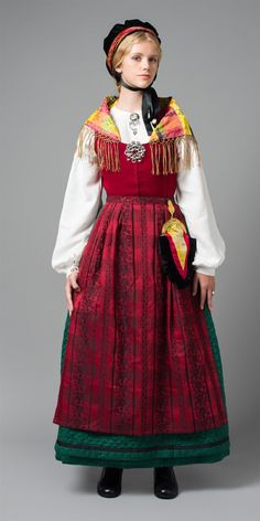 Style a Norwegian dress suitable for office use Traditional Norwegian dress, Fosen peninsula. Folk Clothing, Historical Clothing, Folk Costume, Costume Dress, Traditional Fashion, Traditional Dresses, Norwegian Clothing, Norwegian Fashion, Costume Ethnique