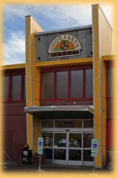 Good Earth Market in Billings, MT has the most amazing selection of groceries and prepared foods I've ever seen in a natural store. Quality and quantity