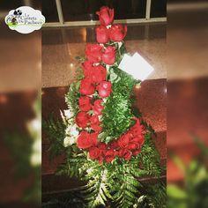Un ramo para los apasionados. Contactanos al 0212.9594016 o 0414.3660316 al correo lacarretadepacheco@hotmail.com o acercate al #CCCT, nivel C1, frente a banesco express y con gusto te atenderemos #floresnaturales#floristeriaccct#floristeria#floristerialacarreta#lacarretadepacheco#rose#rosas#pasion#obsequio#regalo#flores#FLOWERS#AMOR#insta#igersvenezuela#detalles#like4like#l4l#followme#VENEZUELAENFLORES#CARACAS#venezuela