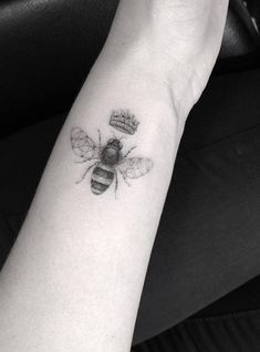 Dr. Woo Tattoo Artist | Half Needle Tattoo | Bee Queen