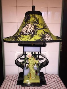 This is a cool lamp by the inimitable Moss Lamp Company. Black and white lucite, Hedi Schoop woman, Asian styling (despite the blonde hair), and a great shade. It is chartreuse barkcloth, with huge bl. Funky Lamps, Cool Lamps, Diy Lamps, Table Lamps, Vintage Lamps, Vintage Furniture, 50s Decor, Retro Lamp, I Love Lamp