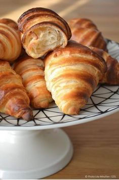 Croissants guilt (with yogurt) Cooking Chef, Cooking Recipes, Brunch, Bread And Pastries, Dinner Rolls, I Love Food, Food Inspiration, Sweet Recipes, Donuts