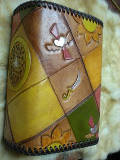 Bible leather carving slipcase/皮雕的聖經套(小本)-1 by Chu lan  https://plus.google.com/u/0/photos/104284147083036206985/albums/5776248731939980609