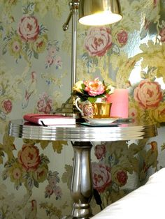 Awesome wallpaper by Anna French Anna French Wallpaper, Funky Wallpaper, Metallic Wallpaper, Bathroom Wallpaper, Home Design Decor, House Design, Design Ideas, Interior Design, Glamour Decor