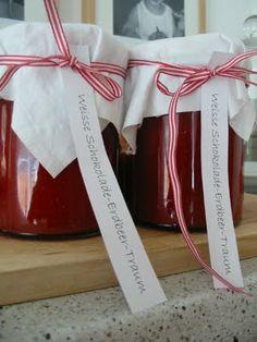 lebe-deinen-Traum: Weisse Schokolade-Erdbeer-Traum.../ http://de.paperblog.com/erdbeer-marmelade-mit-weier-schoki-402057/