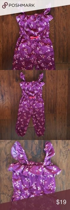 NWOT Baby Gap Ruffle Romper Size 3T Beautiful floral romper with ruffle trim, functional drawstring waist, adjustable straps and elastic cuffs. Washed but never worn. Baby Gap Bottoms Jumpsuits & Rompers