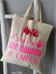 1000 images about cadeaux nounous maitresses on pinterest tote bags badges and fonts. Black Bedroom Furniture Sets. Home Design Ideas