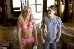 Anna Faris in lingerie and Katherine McPhee shows cleavage in House Bunny movie stills - Hot Celebs Home House Bunny Movie, The House Bunny, Anna Faris, Emma Stone Films, Pitch Perfect 2012, She's The Man, A Cinderella Story, Good Movies To Watch, Chick Flicks