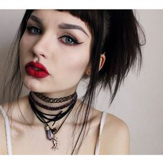 Medusa Piercing, Philtrum Piercing, Punk Outfits, Grunge Outfits, Gothic Makeup, Dark Makeup, Gothic Beauty, Cute Piercings, Body Piercings