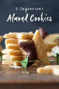 Melt-in-your-mouth Almond Cookies. The most amazing deliciousnesses of all times! Paleo, vegan, low-carb & absolutely d. Dairy Free Cookies, Paleo Cookies, Delicious Cookies, Chip Cookies, Gluten Free Shortbread Cookies, Healthy Sugar Cookies, Gluten Free Christmas Cookies, Gluten Free Peanut Butter Cookies, Almond Shortbread Cookies