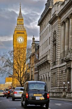 big ben and taxi in london city