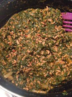 Spinazieschotel met verse spinazie en gehakt