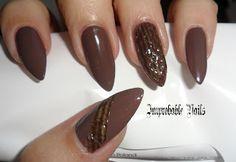 "Improbable Nails: ""Snake Skin"" nails"