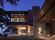Great modern house by architect Dick Clark in Texas USA