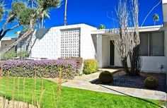 Canyon View Estates, 1963 Palmer & Krisel-designed condominium, Palm Springs, CA. Palm Springs, Space Age, Modern Exterior, Condominium, Midcentury Modern, Mid Century, Outdoor Structures, Homes, Architecture