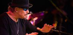 Jerry González (5-06-1949)es un músico de jazz neoyorquino de raíces puertorriqueñas afincado en Madrid. Trompetista y percusionista, es uno de los pioneros del latin jazz.