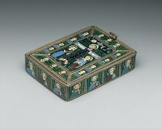The Fieschi Morgan Staurotheke Date: early 9th century Geography: Made in Constantinople (?) Culture: Byzantine Medium: Gilded silver, gold, enamel worked in cloisonné, and niello Dimensions: Overall (with lid): 1 1/16 x 4 1/16 x 2 13/16 in. (2.7 x 10.3 x 7.1 cm) lid only: 2 13/16 x 3 7/8 x 1/8 in. (7.1 x 9.8 x 0.3 cm) vessel only: 7/8 x 2 15/16 x 4 in. (2.2 x 7.5 x 10.1 cm)