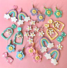 Diy Earrings Polymer Clay, Cute Polymer Clay, Cute Clay, Polymer Clay Flowers, Polymer Clay Crafts, Handmade Polymer Clay, Bijoux Diy, Clay Charms, Clay Creations