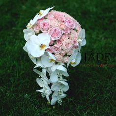 Orchidea angolrózsa kaszkád menyasszonyi csokor Jade, Bridal Bouquets, Wedding Bouquets, Bride Bouquets