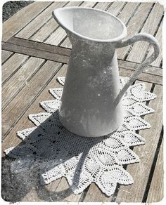 White enamel jug on crochet napkin --- Pichet en émail blanc sur napperon. White Enamel, Watering Can, Napkins, Canning, Crochet, Placemat, Envy, White People, Towels