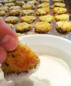 "OH.MY.WORD. Baked ""fried"" pickles. I can eat all the ""fried"" pickles I want and not feel guilty. Perfect!- maybe could do this with mushrooms! Baked Pickles, Fried Pickles Recipe Panko, Oven Fried Pickles, Simple Fried Pickles Recipe, Healthy Dinner Food, Yummy Dinner Recipes, Healthy Dinner Sides, Yummy Appetizers, Appetizer Ideas"