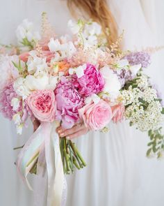 Just found this amazing image. anyone know who created this magnificent floral bouquet and photograph? Floral Bouquets, Wedding Bouquets, Wedding Flowers, Floral Wreath, Flower Designs, Affair, Wreaths, Table Decorations, Rose