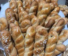 """Η Συνταγή είναι από κ. Eleni Kappou – """"ΟΙ ΧΡΥΣΟΧΕΡΕΣ / ΗΔΕΣ"""". ΥΛΙΚΑ • 1.500γρ […] Pretzel Bites, Shrimp, Sausage, Bread, Desserts, Food, Tailgate Desserts, Deserts, Sausages"""