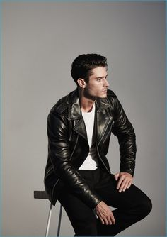 Diego Barrueco rocks a leather biker jacket from Reiss 1971's fall-winter 2016 collection.