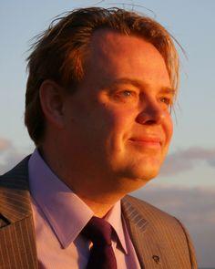 RICK FALKVINGE: THE COMING WAR ON BITCOIN   http://www.tonewsto.com/2014/11/rick-falkvinge-coming-war-on-bitcoin.html